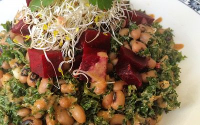 Food as Medicine – Raw Kale Salad with Black Eyed Beans & Tahin Dressing