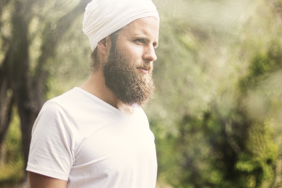 5239fd46ba6 Kundalini Yoga is exactly what I was looking for - Interview with ...